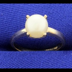 Jewelry - 10k pearl ring (8mm)